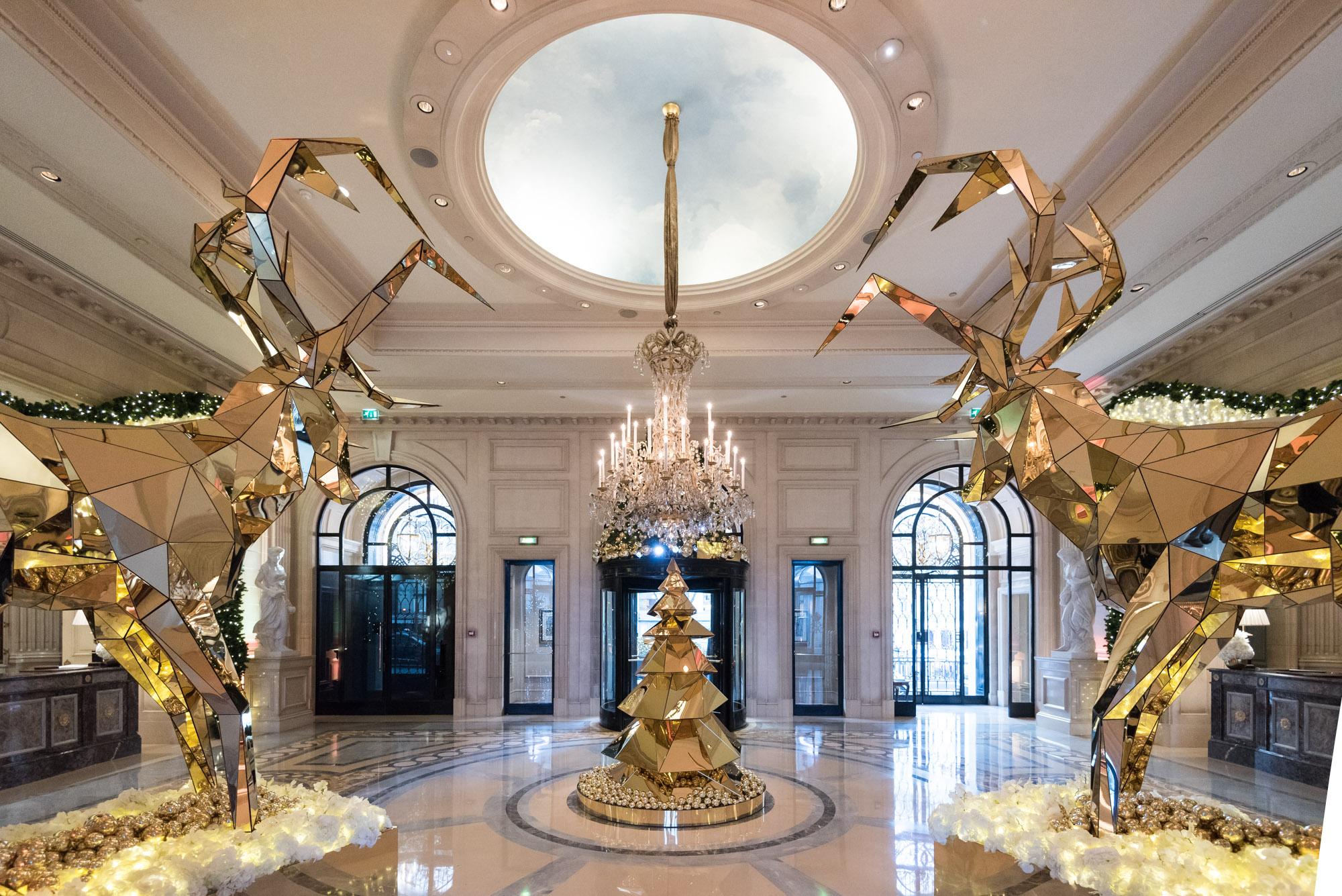 Paris Visiting Four Seasons George V Main Lobby