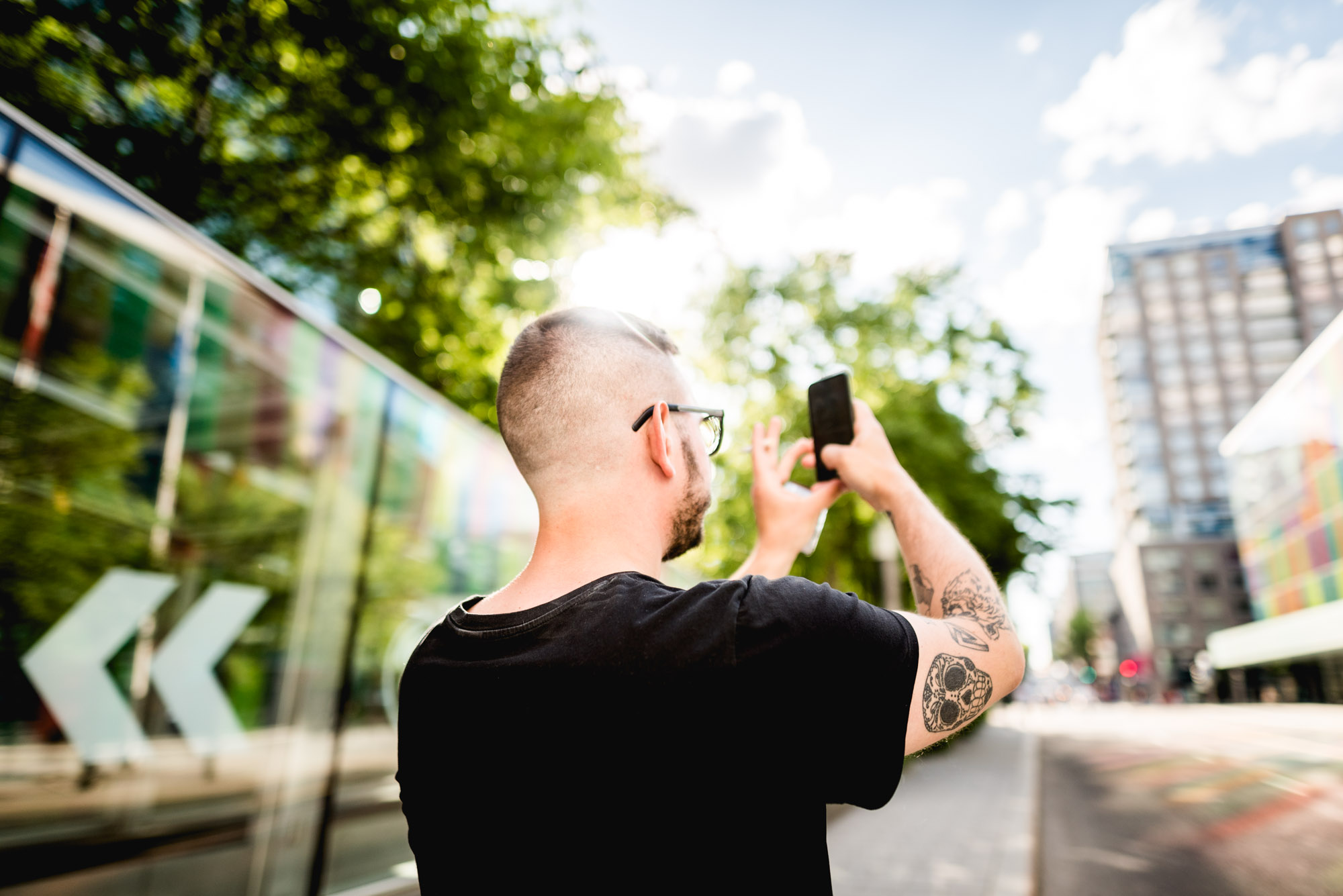 Jeff On The Road - How To Find An Apartment in Montreal - Men using smartphone in Montreal - All photos are under Copyright © 2017 Jeff Frenette Photography / dezjeff. To use the photos, please contact me at dezjeff@me.com.