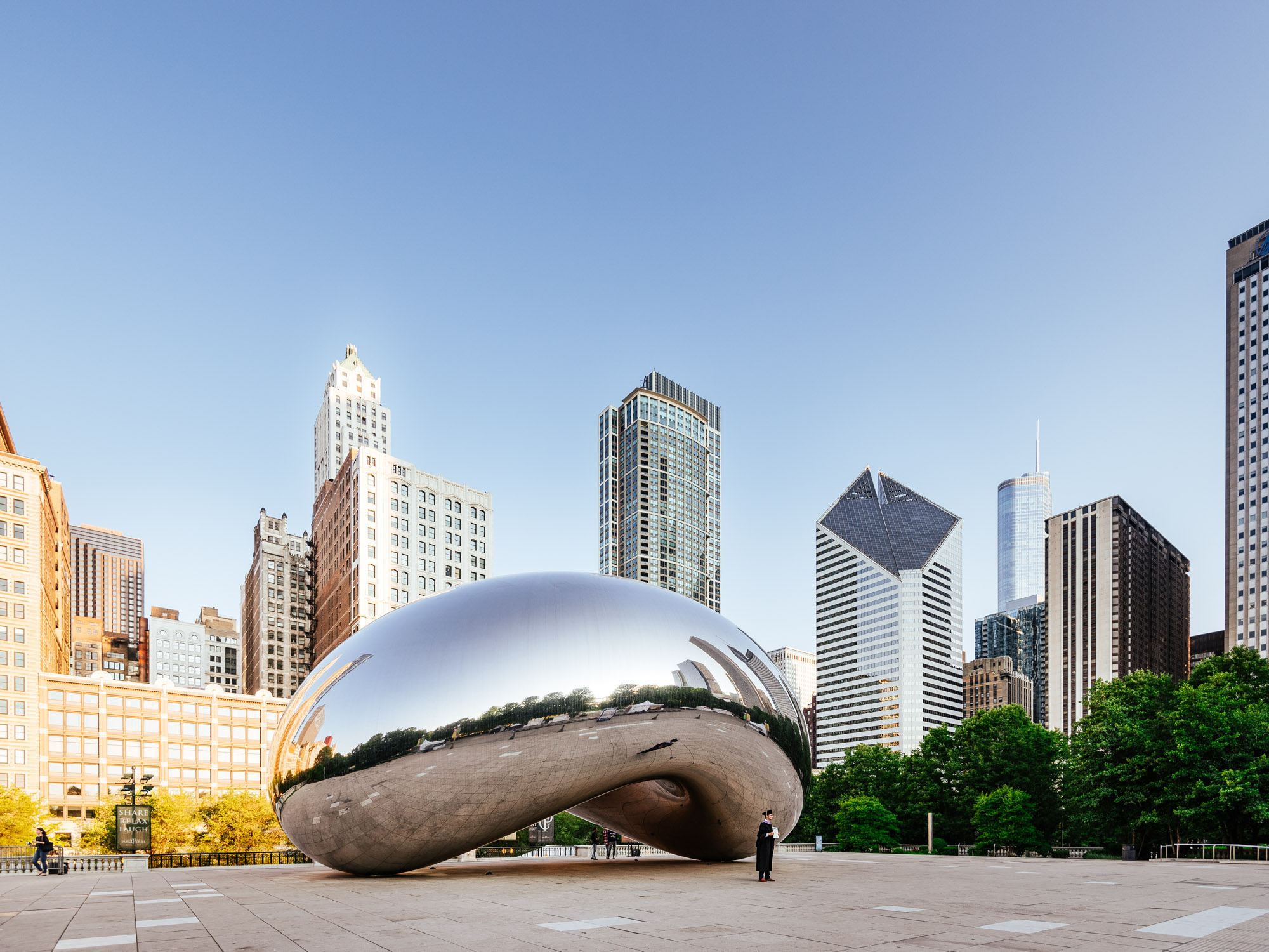 Jeff On The Road - Travel - Chicago - Millenium Park - Cloud Gate by Anish Kapoor - All photos are under Copyright © 2017 Jeff Frenette Photography / dezjeff. To use the photos, please contact me at dezjeff@me.com.